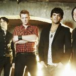 Queens of the Stone Age vieden doprava na koncert